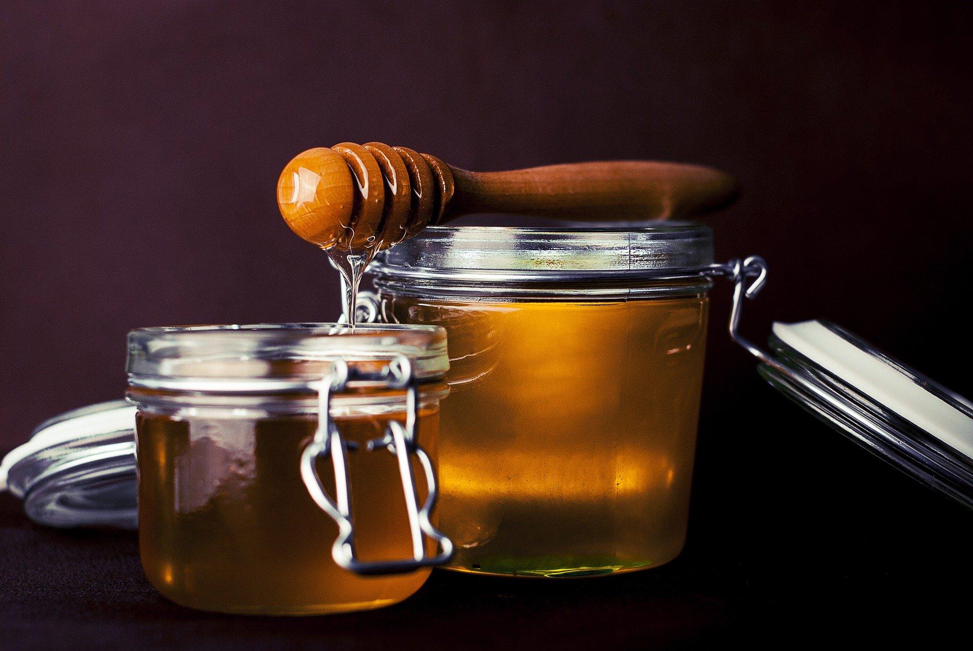 Honey and honey stick